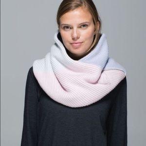 Lululemon totally toasty neck warmer scarf